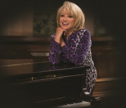 "<h2><Font color=""#5D87A1"">Elaine Paige - Stripped Back"